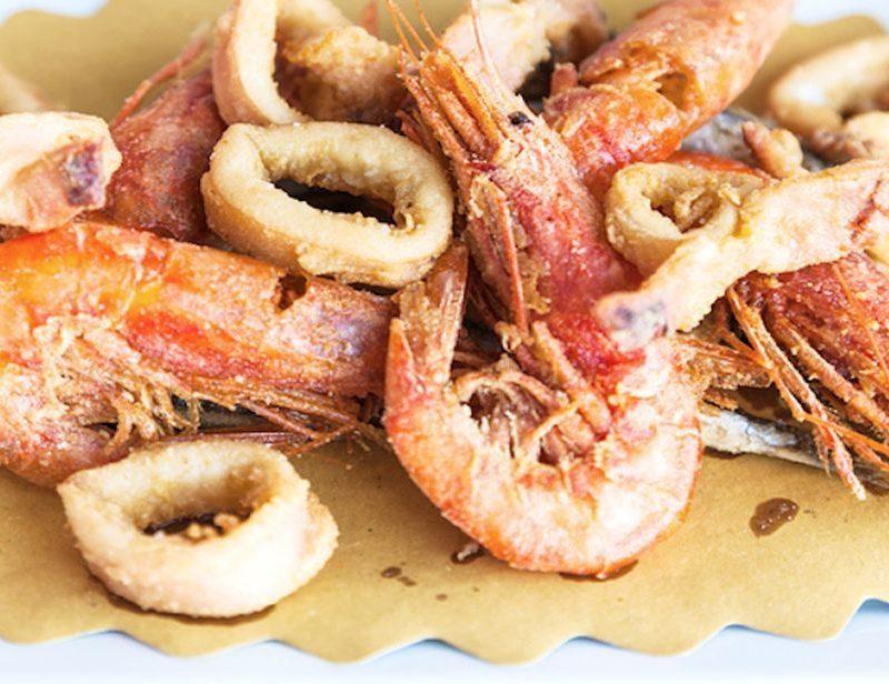 deep fried calamari shrimps